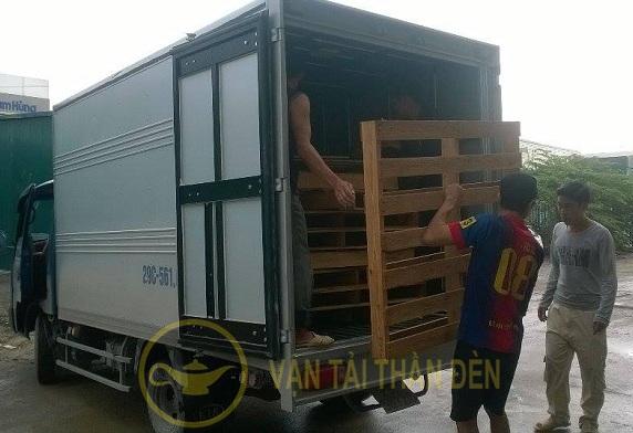 Cho thuê xe tải bốc dỡ hàng hóa