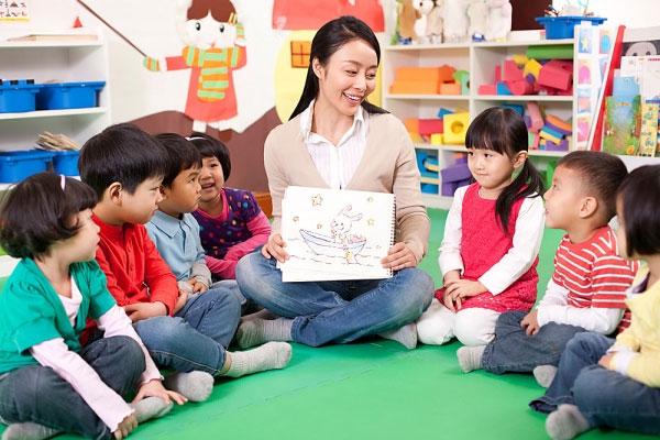 Tìm hiểu môi trường học tập mới cho con