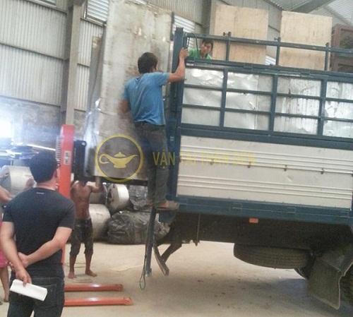 Xe tải dọn kho bốc dỡ hàng hóa công ty