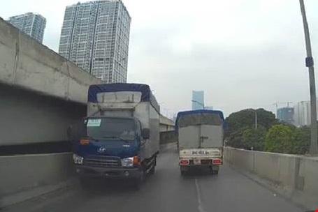 Lái xe tải vất vả và nguy hiểm luôn rình rập