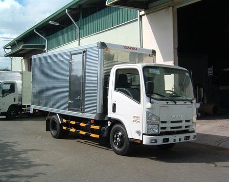 Thuê xe tải 4.7 tấn chở hàng
