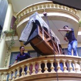 Việc chuyển đàn piano khó khăn đối nhà cao tầng