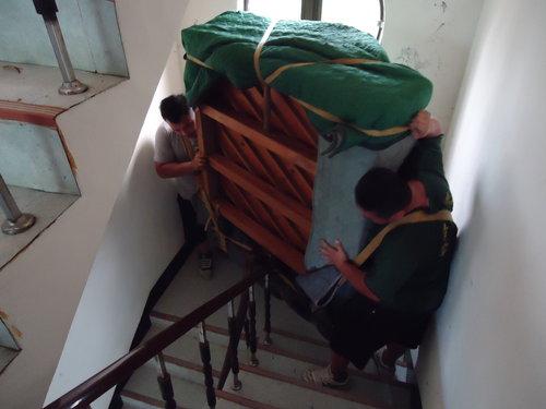 Khó khăn khi chuyển nhà giáp Tết