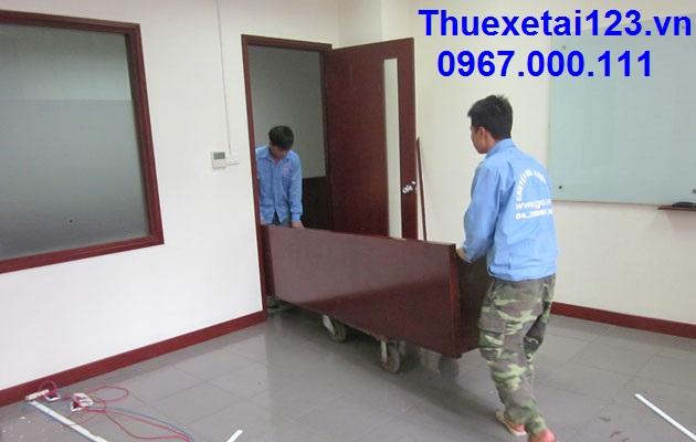 Nhân viên vận chuyển chuyên nghiệp