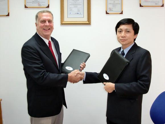Ký hợp đồng với công ty nước ngoài