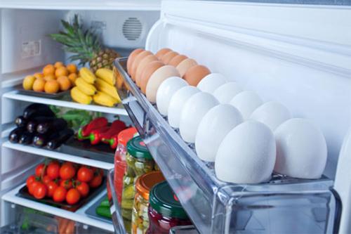 Bỏ đồ đạc trong tủ lạnh trước khi đóng gói