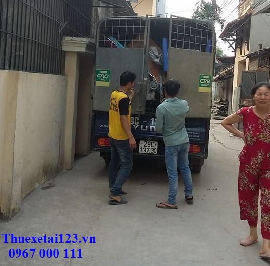 Sắp xếp đồ lên taxi tải đảm bảo an toàn