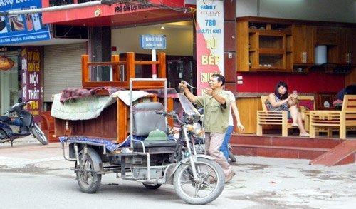 Chuyển nhà trọ bằng xe ba gác